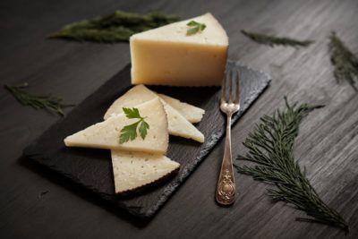 Que-hace-especial-al-queso-curado-de-oveja-puro-Ovejero
